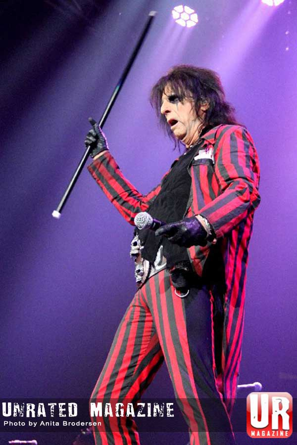 Motley Crue and Alice Cooper One Night in Chicago