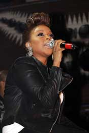 Chrisette Michele with Laura Izibor  at the House of Blues Chicago