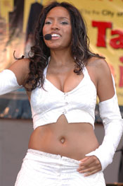 Drew Sidora: Performs at Taste of Chicago