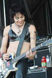 Joan Jett and the Blackhearts: Jett Sizzles at Chicago Vans Warped Tour