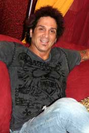 Journey: Interview with drummer Deen Castronovo