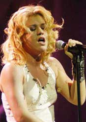 Kelly Clarkson A Rising Star